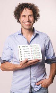 Daniel Hess Glücksschule Portrait Interview