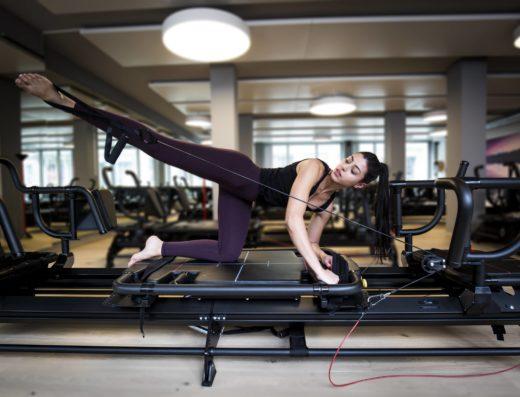 Komm beim hochintensiven Muskeltraining Lagree Method bei Booster Transform ins Schwitzen Urbanrise